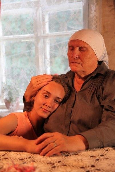 Кто играет внучку Аню из телесериала